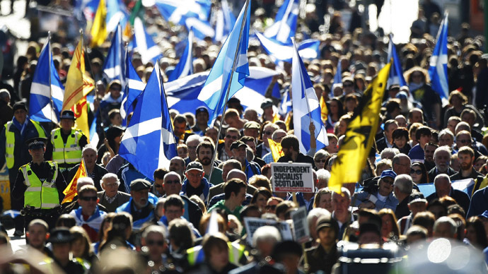 Pro-independence supporters take part in a march in Edinburgh, Scotland (Reuters/David Moir)