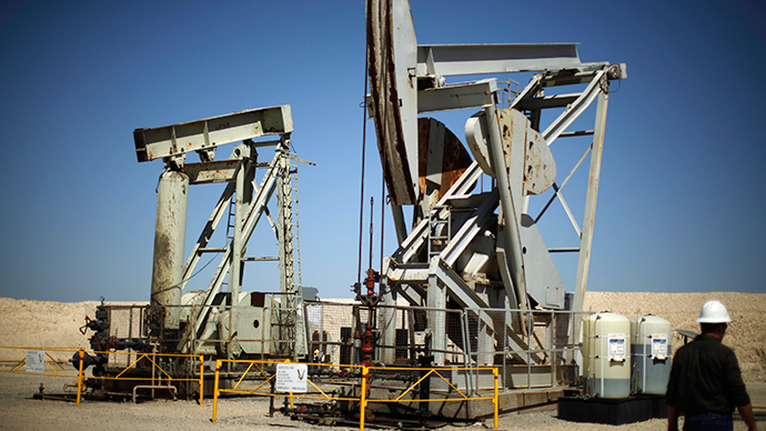 Pump jacks drill for oil in the Monterey Shale, California (Reuters / Lucy Nicholson)
