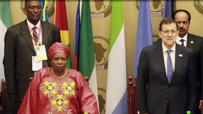 A video grab taken from AFP footage on June 26, 2014 shows African Union (AU) President Nkosazana Dlamini-Zuma and Spanish Prime Minister Mariano Rajoy attending the opening of an African Union (AU) summit in Malabo, Equatorial Guinea. (AFP Photo)