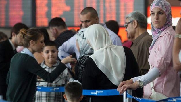 """Cacheos humillantes en aeropuerto israelí: """"Ahora sabe qué soportaron los judíos"""""""