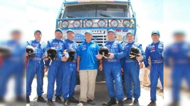 Reciben con honores a los conquistadores del Dakar 2010
