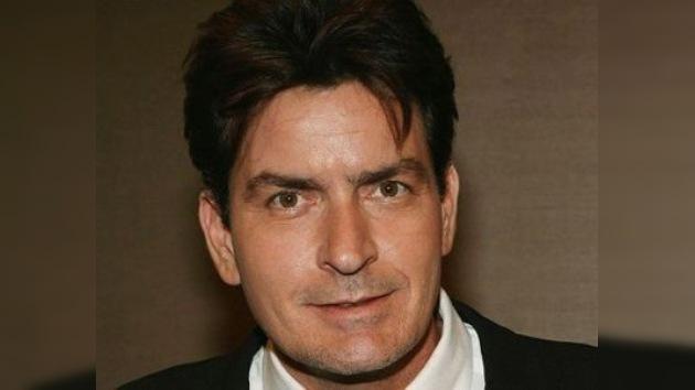 Charlie Sheen fue liberado bajo fianza