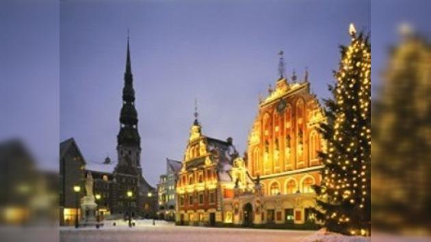 Austria se calienta quemando sus árboles navideños