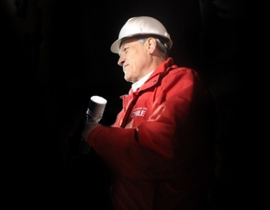 Piñera contemplaba un descenso a la mina