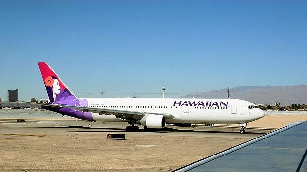 Un joven sobrevive tras pasar 5 horas en el tren de aterrizaje de un vuelo a Hawái