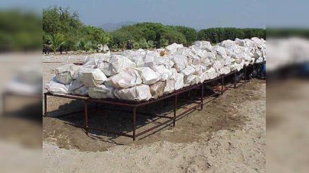 Decomisan casi dos toneladas de cocaína en Costa Rica