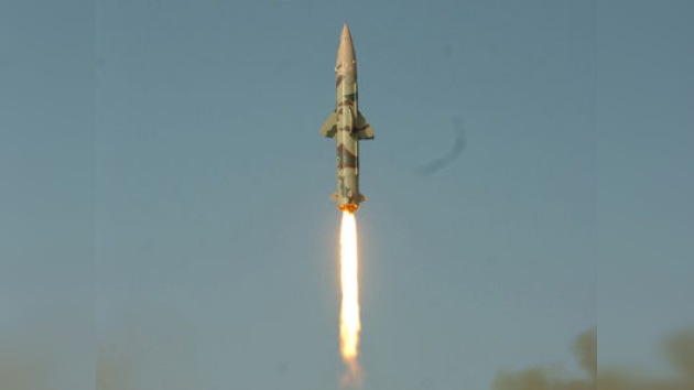 La India prueba exitosamente dos misiles balísticos