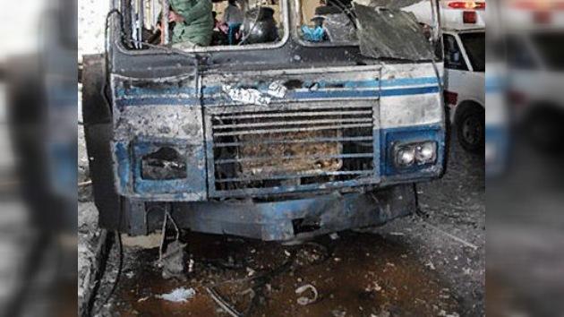 Siria: atentado mortal al paso de un autobús con presos