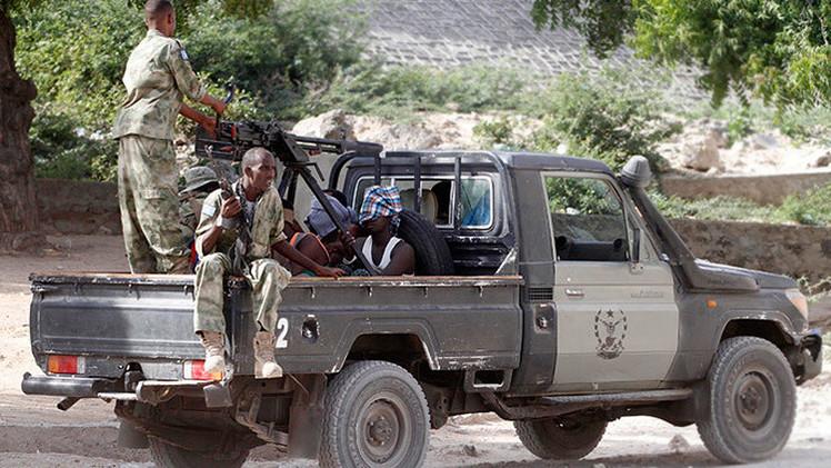EE.UU. lanza un ataque aéreo contra un líder de las milicias en Somalia