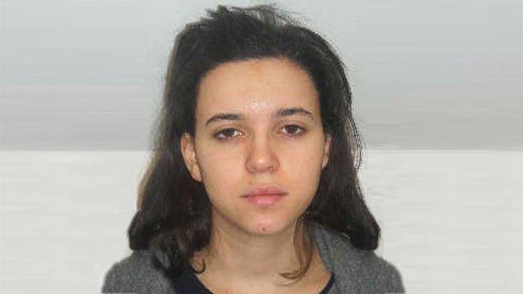 ¿Quién es Hayat Boumeddiene, la mujer de un yihadista buscada por la Policía francesa?