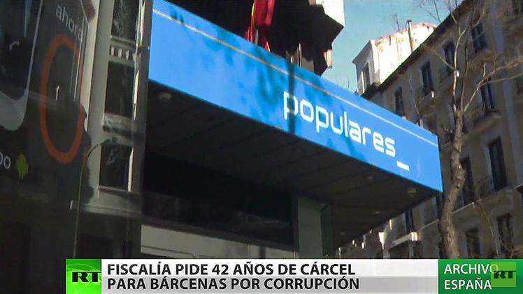 La Fiscalía de España pide 42 años de cárcel para el extesorero del PP Luis Bárcenas