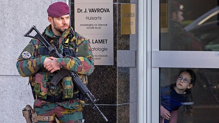 Bélgica despliega tropas para patrullar las calles tras el intento de atentado