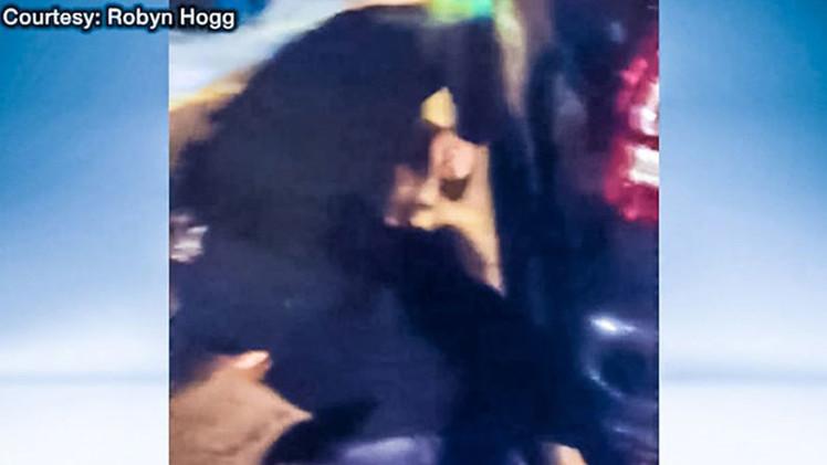 Video: Un policía de EE.UU. golpea brutalmente a un hombre en la cabeza