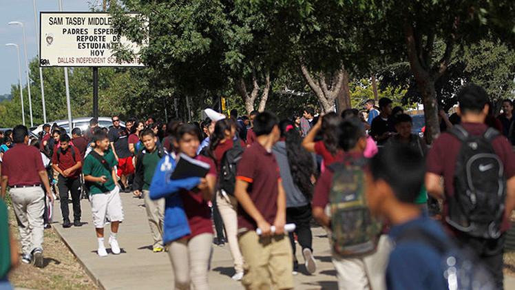 Texas estudia amparar por ley a maestros que usen fuerza letal contra estudiantes