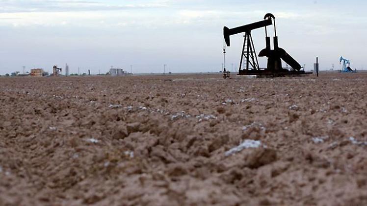 Putin: Los futuros precios de petróleo sacudirán la economía mundial