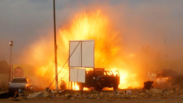 Video: El Estado Islámico prepara a un menor suicida que se inmola en un vehículo