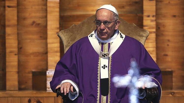 ¿Por qué el papa Francisco no admite mujeres en el clero?
