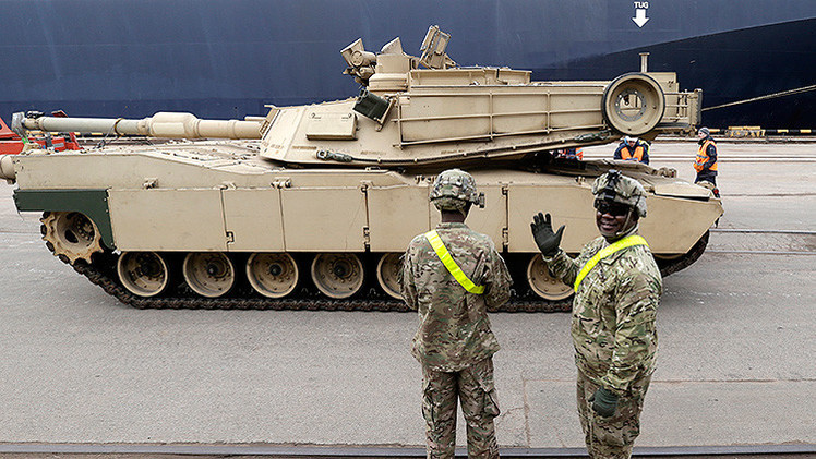 Video: Llegan a Letonia 120 tanques y vehículos blindados de Estados Unidos