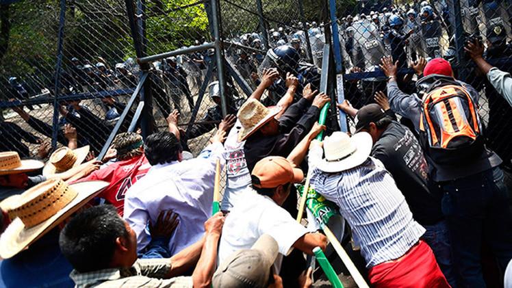 México: Agricultores protestan mientras se pudren cultivos por millones de dólares