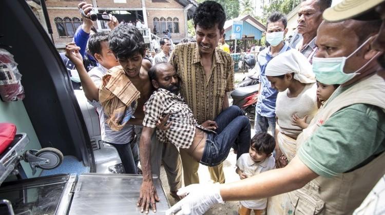 """Se agrava la crisis migratoria en Asia: """"Cien personas murieron en peleas por comida"""" (Fotos)"""