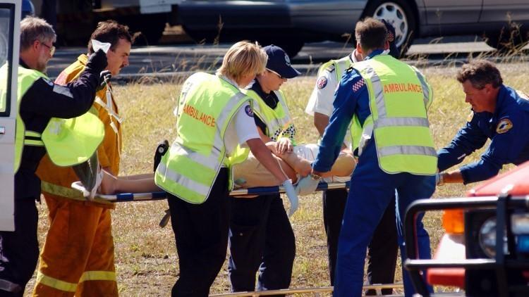 Al menos 16 heridos tras el choque de un autobús con un tren en Australia