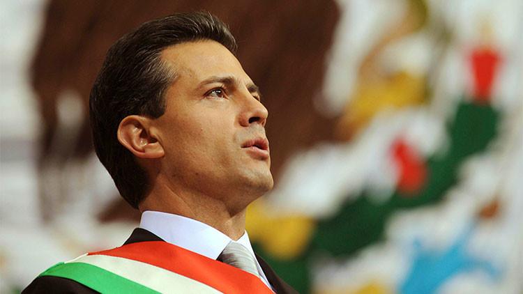 México: La Administración de Peña Nieto pagó un 12.000% más por fajas y uniformes