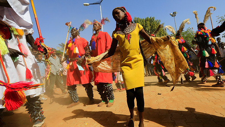 'La África que los medios no muestran': Una campaña arrasa con estereotipos sobre el continente