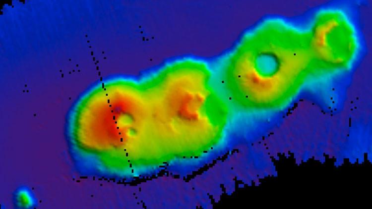 Descubren por casualidad gigantes volcanes submarinos frente a las costas de Australia