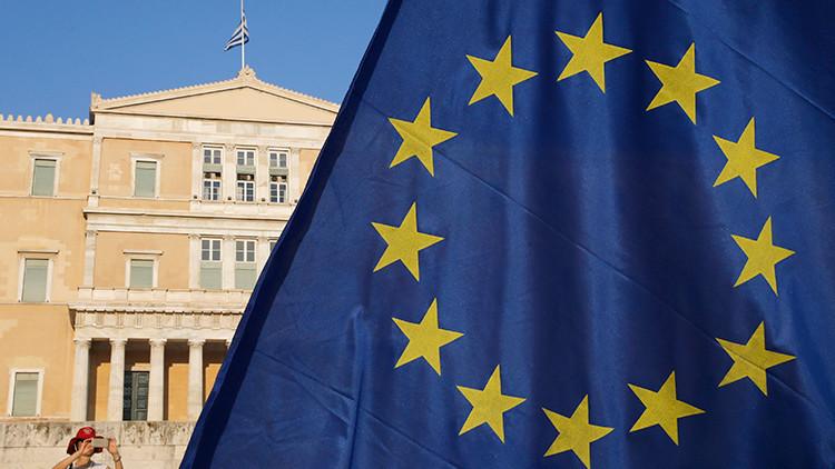 #EstoEsUnGolpe: ¿Por qué el mundo cree que el acuerdo de rescate de Grecia es un 'golpe de Estado'?