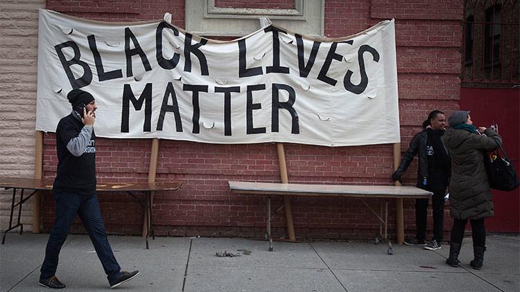 """Político estadounidense: """"El lema 'la vida de los negros importa' ofende a los blancos"""""""