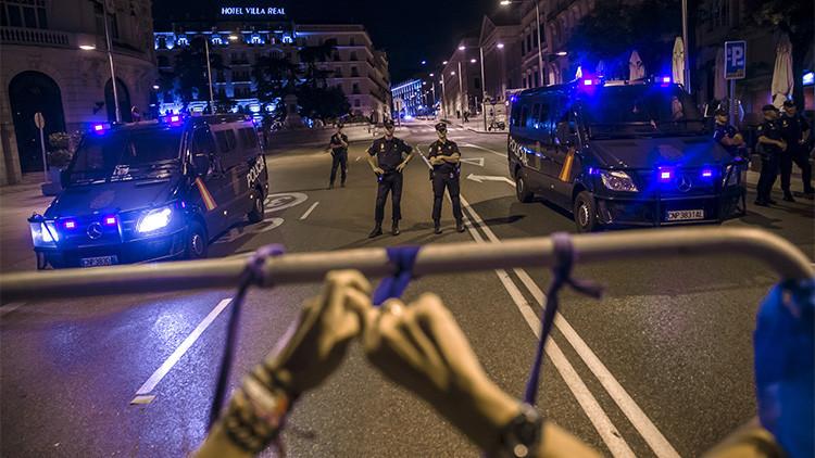 """Nueva víctima de la Ley Mordaza: Multa de 300 euros por llamar """"colega"""" a un policía"""
