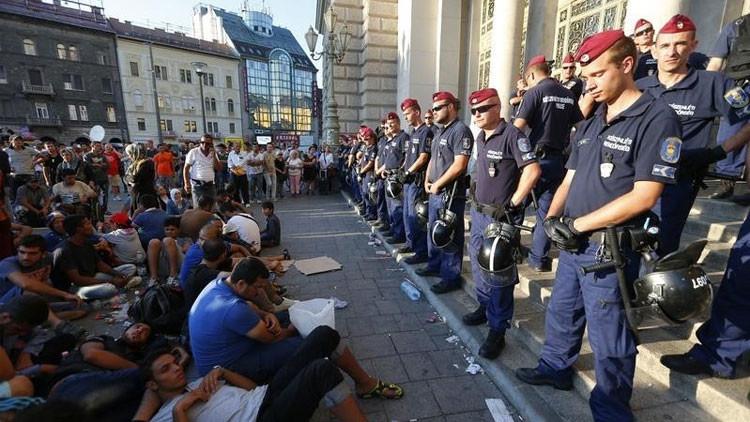 """Economistas alemanes: """"La fragmentada UE se derrumba con el peso de la crisis migratoria"""""""