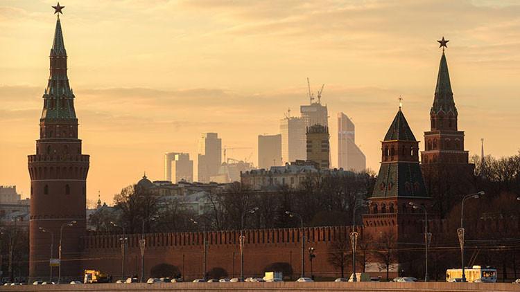 """Kremlin: """"La actividad internacional de Putin muestra el fracaso del aislamiento de EE.UU. a Rusia"""""""
