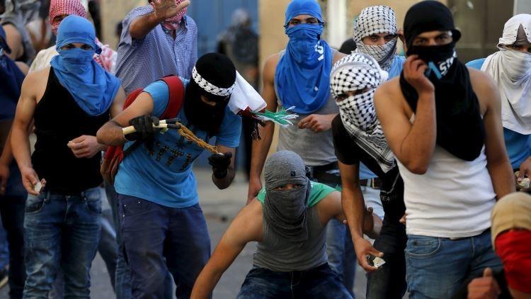 Video: Infiltrados de civil en una manifestación palestina disparan y se unen a soldados israelíes