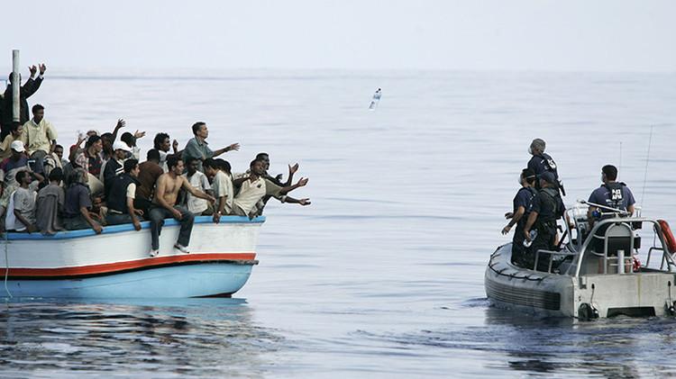 """La ONU aprueba """"medidas militares"""" de la UE contra los contrabandistas de refugiados"""