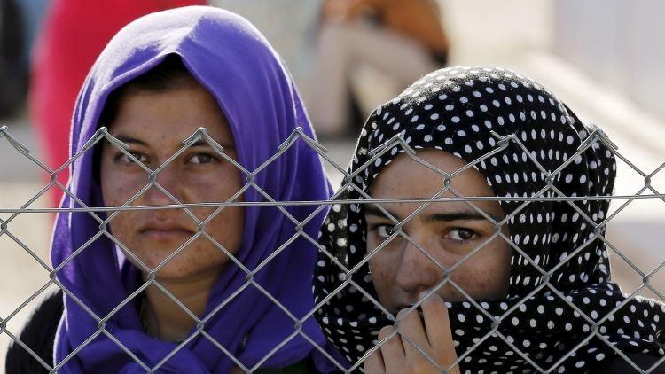 """""""Te volverás musulmana si te violan 10 combatientes"""": Una esclava sexual del EI relata su infierno"""