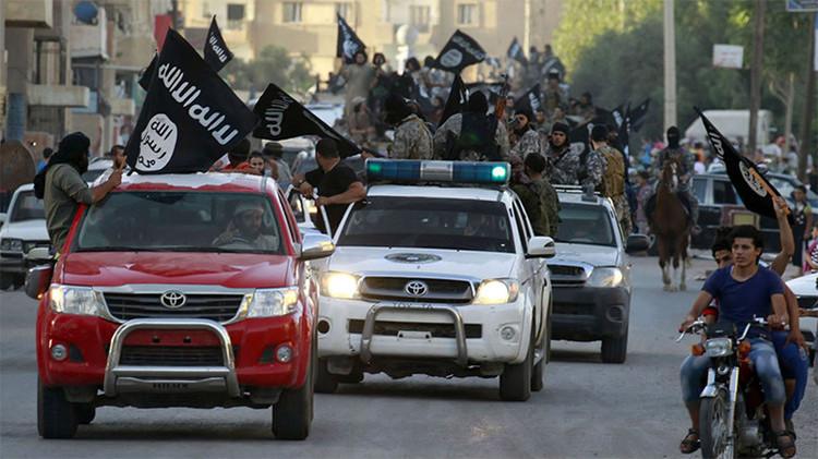 Desvelan quién envió los autos Toyota que posee el Estado Islámico