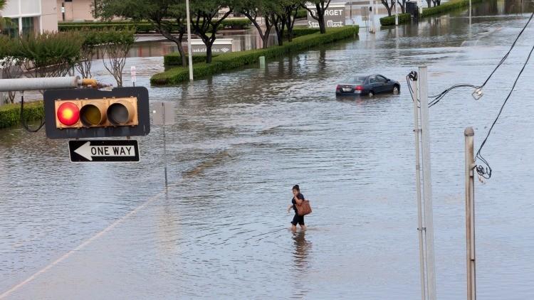 No solo México: El huracán Patricia amenaza con inundar el estado de Texas