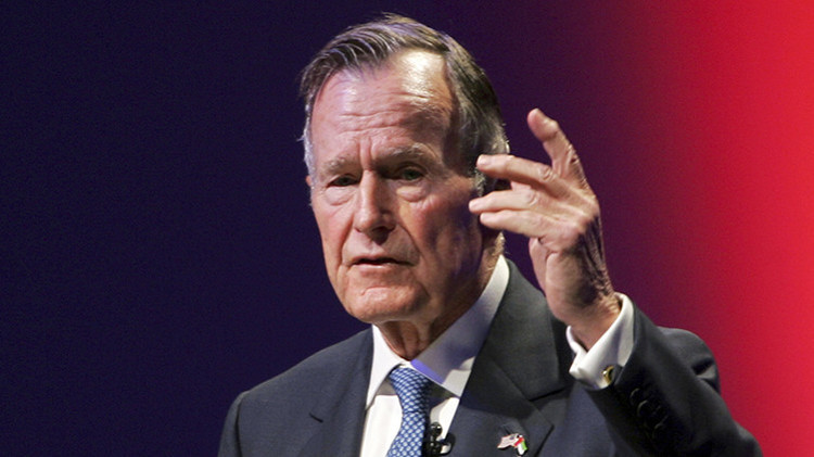 """George H.W. Bush: """"El 'duro' Cheney y el 'arrogante' Rumsfeld dañaron a EE.UU."""""""