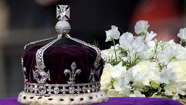 Personalidades de la India exigen a Isabel II que devuelva un diamante de 150 millones de dólares