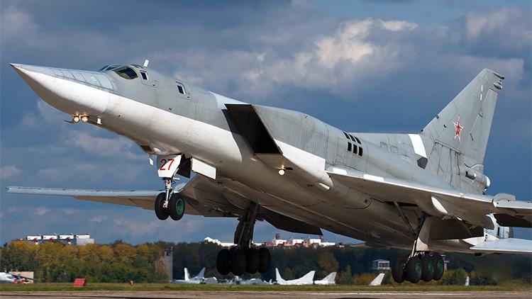 Un escuadrón de bombarderos estratégicos rusos elimina objetivos clave del Estado Islámico