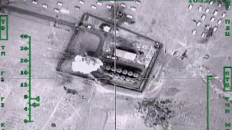 Video: Rusia lanza ataques a enormes depósitos de petróleo del Estado Islámico