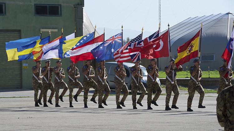 La OTAN refuerza su actividad militar a lo largo de la frontera rusa