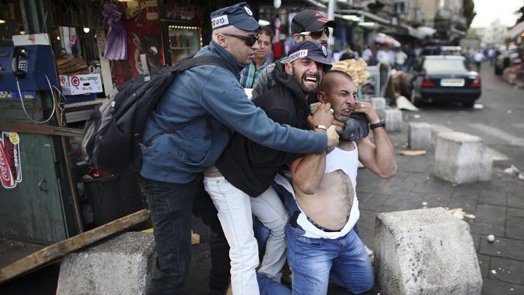 Netanyahu amenaza con revocar el permiso de residencia a 230.000 palestinos