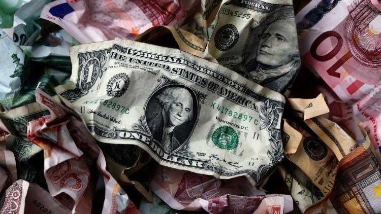 8 países que pueden abandonar la paridad con el dólar