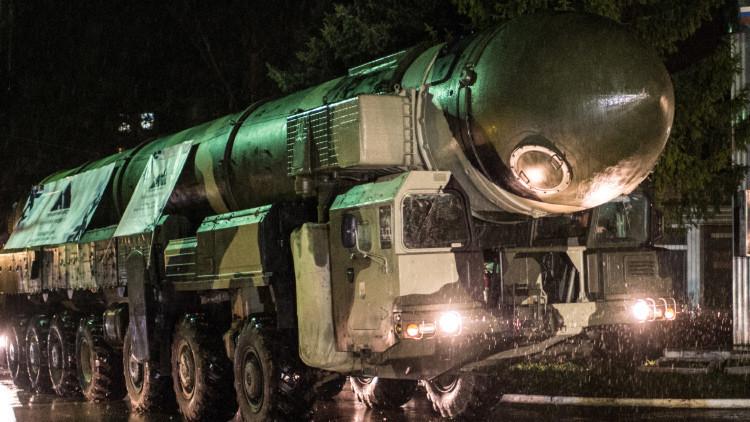 Rusia lanza de prueba un misil balístico intercontinental Tópol