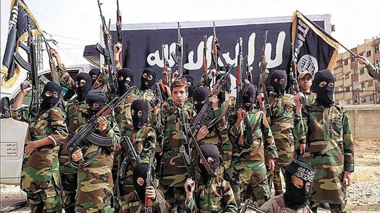 Niños arrebatados por el Estado Islámico confiesan cómo tenían que matar a sus padres