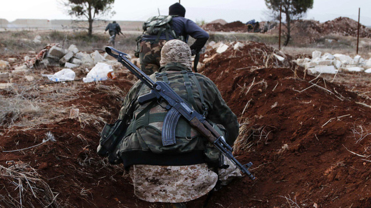 Moscú: Los combatientes extremistas en Siria reciben refuerzos desde Turquía