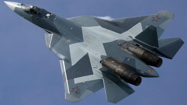 Digno de un rey: caza 'invisible' ruso T-50 deslumbra en Salón Aeronáutico Internacional de Baréin