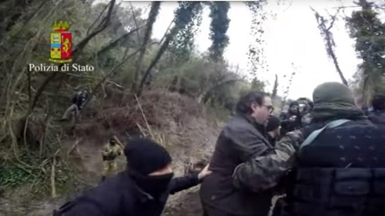 Video: Descubren a dos jefes de la mafia italiana en un búnker secreto